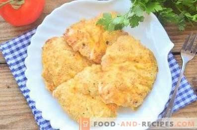 Chicken chops in semolina