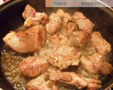 Agneau cuit à l'oignon