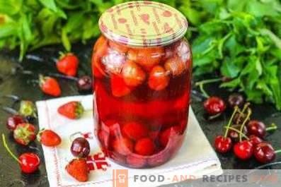 Compote de cerises douces et fraises pour l'hiver