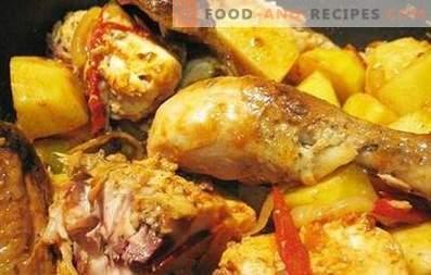 Gebackenes Hähnchen mit Kartoffeln in einem langsamen Kocher